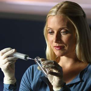 CSI-Miami_Calleigh-lab