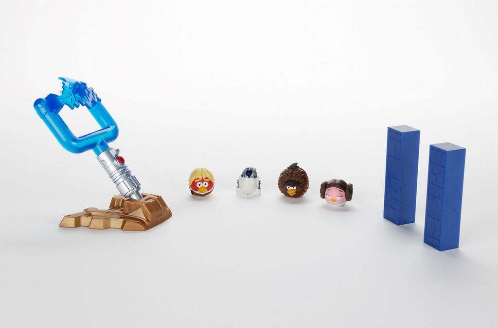 Toys 'R' Us Has Angry Birds Star Wars in Stock Now ...