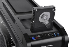 Outfit your components and maximize their performance with Thermaltake Chaser A71 Gaming Case