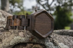kisai_night_vision_wood_led_watch_from_tokyoflash_japan_01