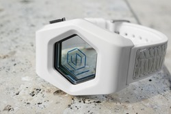 kisai_spider_acetate_transparent_lcd_watch_from_tokyoflash_japan_02