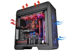 Thermaltake Core V71 full-tower case is the ultimate powerhouse suitable for any type of PC enthusiast _ no matter liquid cooling or extreme airflow